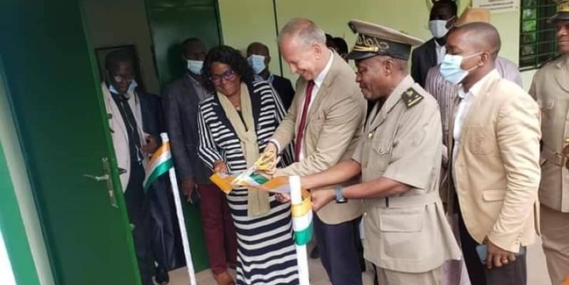 L'ambassadeur a inauguré la salle de conférence GRIEPE. (DR)