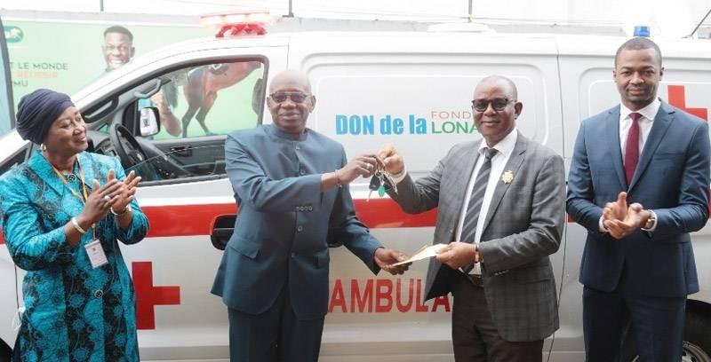 La Fondation Lonaci a fait don d'ambulances à des centres de santé. (DR)