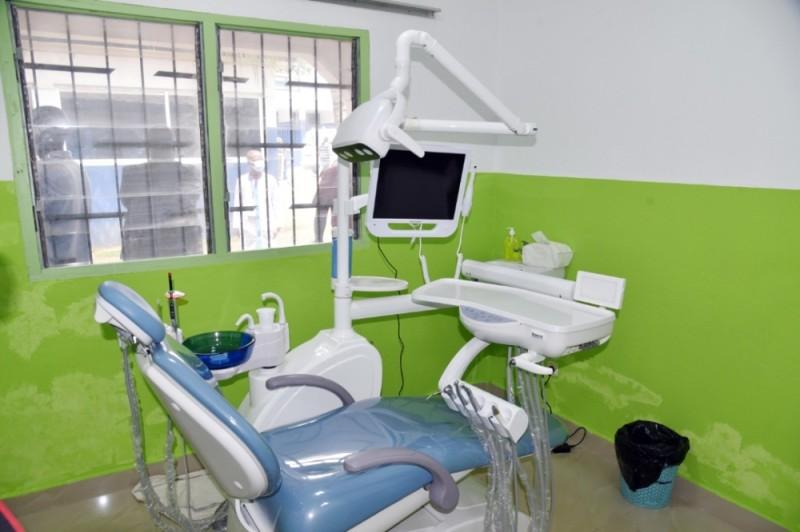 Ce fauteuil dentaire ultra moderne a été offert à l'hôpital de Blockhauss.