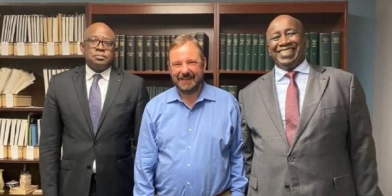 L'ambassadeur Aly Touré (à droite) était accompagné pour la circonstance de SEM. Mamadou Haïdara, ambassadeur extraordinaire et plénipotentiaire de la Côte d'Ivoire aux États-Unis d'Amérique. (Photo : DR)