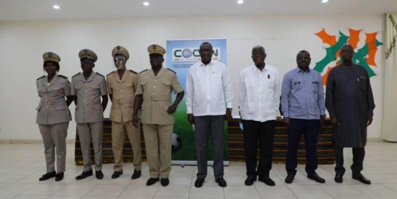 Le Comité d'organisation et les autorités de la ville en ordre de bataille. (DR)
