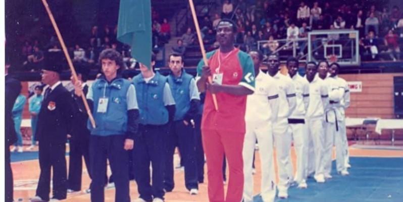 Me Bamba Cheick Daniel (en orange à l'extrême droite) a énormément contribué à l'épanouissement du taekwondo en Côte d'Ivoire. (DR)