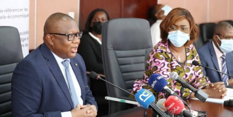 Les ministres Nialé Kaba et Amadou Coulibaly ont invité les médias à s'impliquer pleinement dans le processus pour plus d'efficacité dans l'information des populations. (Photo : DR)