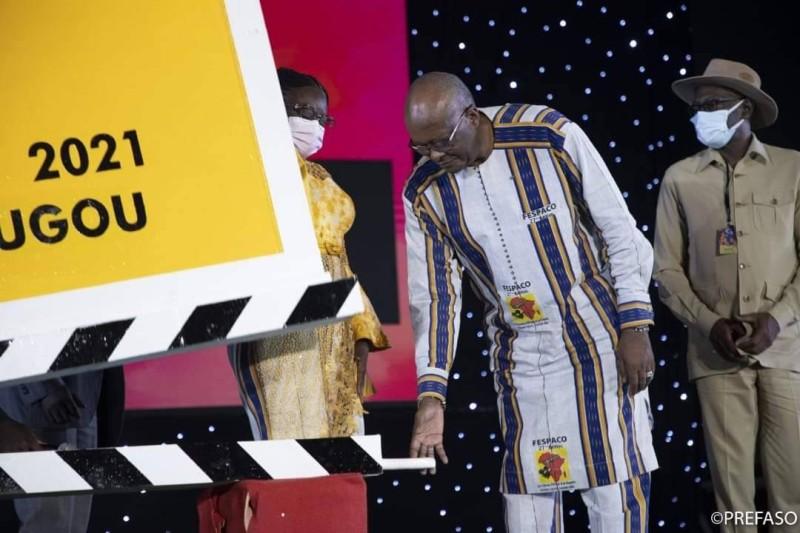 Le Président du Faso, Roch Marc Christian Kaboré donnant le clap d'ouverture de la 27è édition du Fespaco (DR)